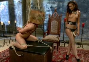 video relacionado Novia dominatrix folla durísimo