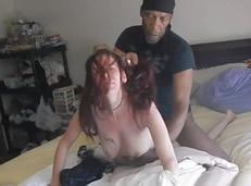 Humillada y follada delante de su novio