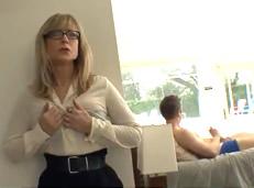 Nina Hartley se quiere follar a uno de sus sobrinos