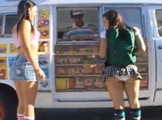 Jóvenes colegialas se venden por un helado