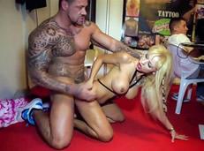 Casting porno público con Melody Star