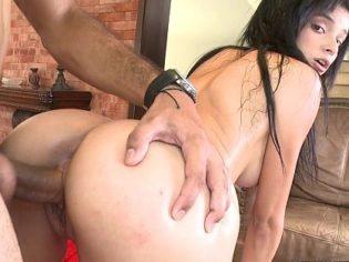 Jovencita colombiana trabajando de puta en Miami ¡vaya culo!