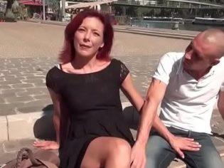 Casting porno con una madura francesa ¡es una guarra!