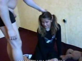 Violador abusando sexualmente de su hija menor ¡merece la cárcel!
