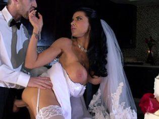 Follando con el padrino de la boda antes de ir a la iglesia