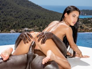 Vídeo porno de Apolonia Lapiedra haciendo la batidora