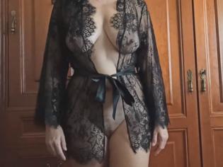 Madurita tetona con el coño mojado y ganas de mucho sexo