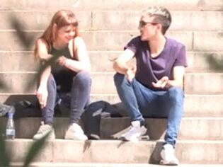Universitaria española acaba grabando porno en FaKings